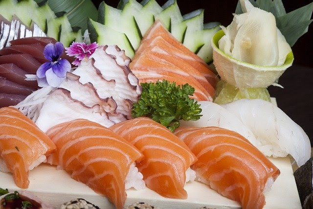 Different kinds of sashimi