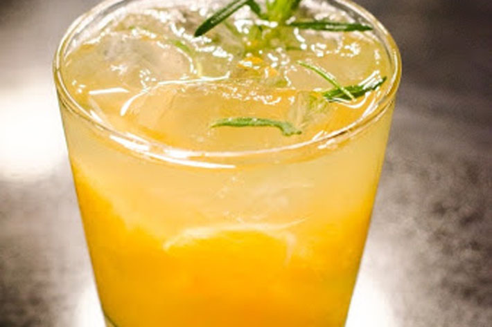 Screwdriver cocktail drink