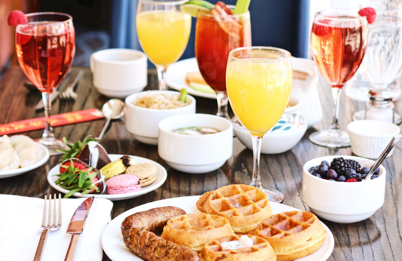 Brunch served with cocktails